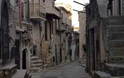 """Vico del Gargano nella rete """"Pugliautentica"""": portale online e guida pocket"""